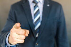 Prawo pracy: jak bronić się przed mobbingiem?